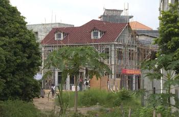 村里新鲜事 村民花60万自建轻钢别墅