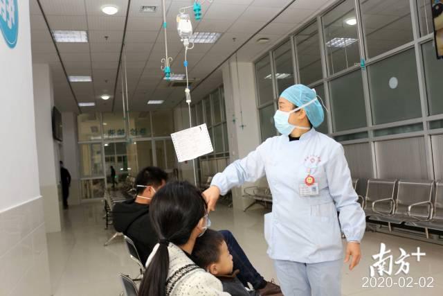 鐘銳鋒妻子、紫金縣人民醫院急診科護士夏桂芳。
